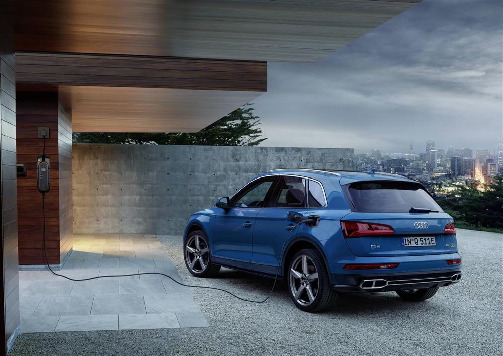 Audi Q5 e quattro ibrida predittiva