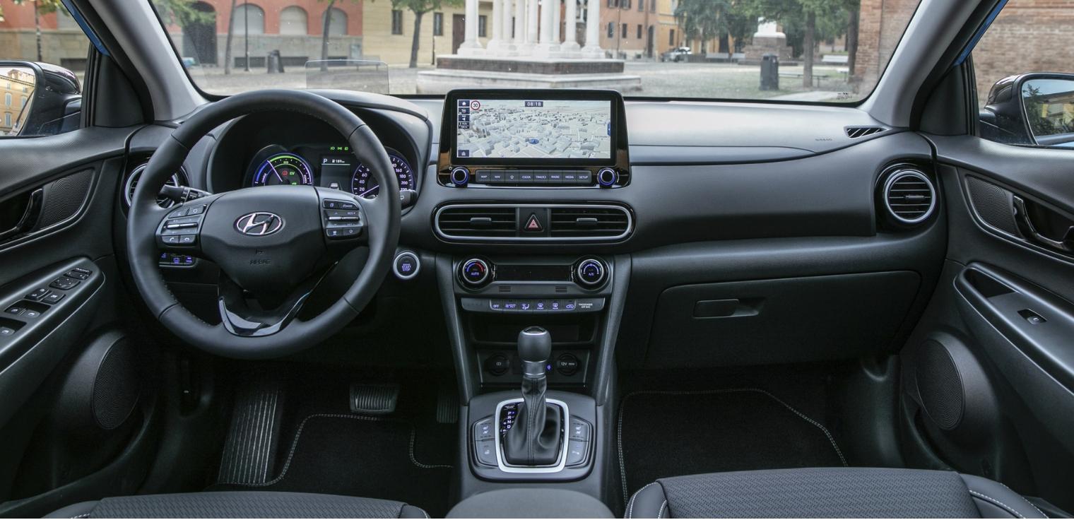 Nuova Hyundai Kona Hybrid 2020 abitacolo