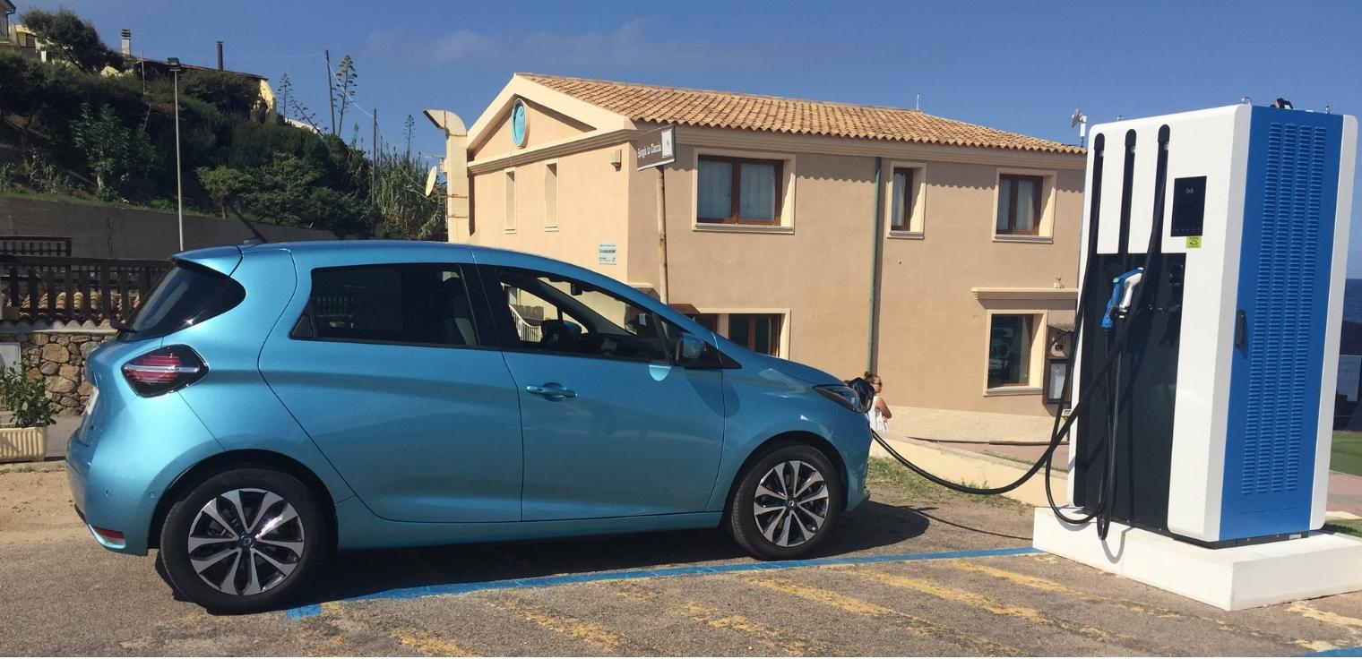 Nuova Renault Zoe 2020 ricarica auto elettrica