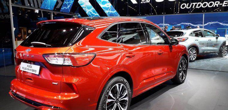 Nuova Ford Kuga ibrida plug-in