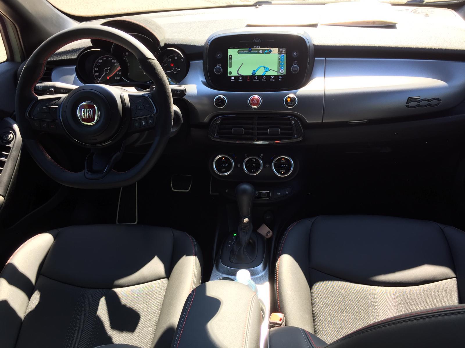 interni-nuova-fiat-500x-sport