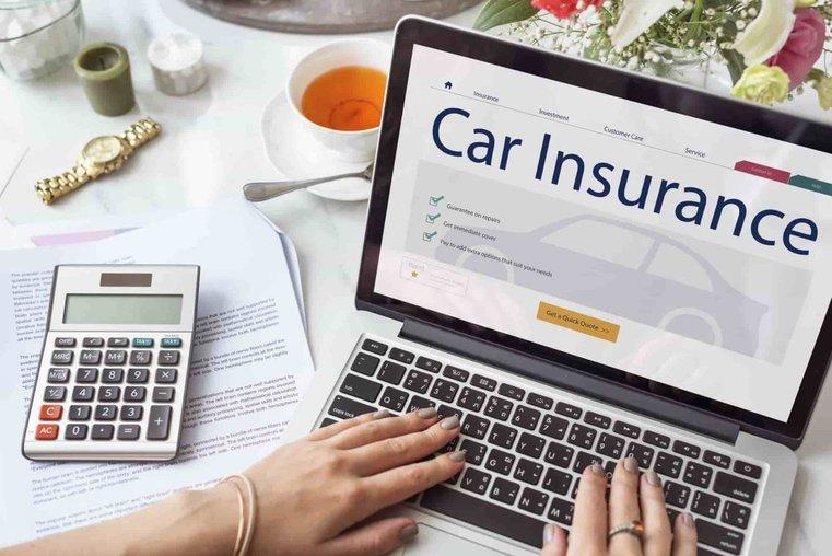 Assicurazione auto noleggio lungo termine