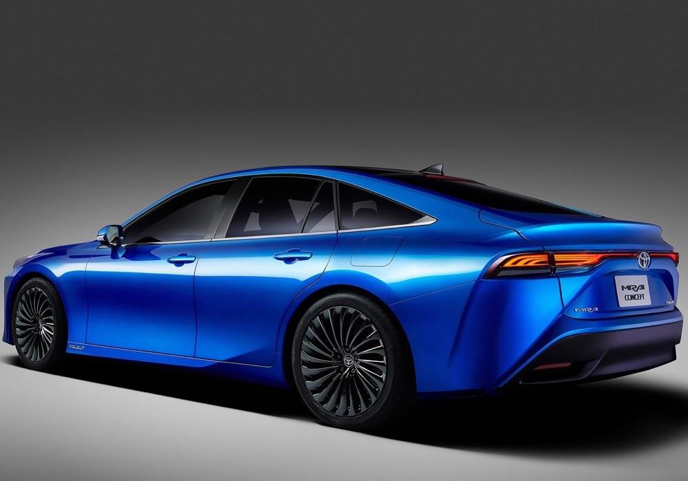 Caratteristiche di Toyota Mirai 2020 fuel cell