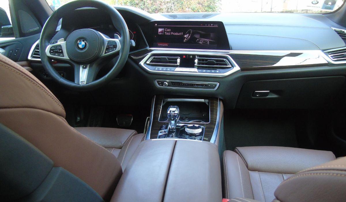 Nuova BMW X5 2020 abitacolo