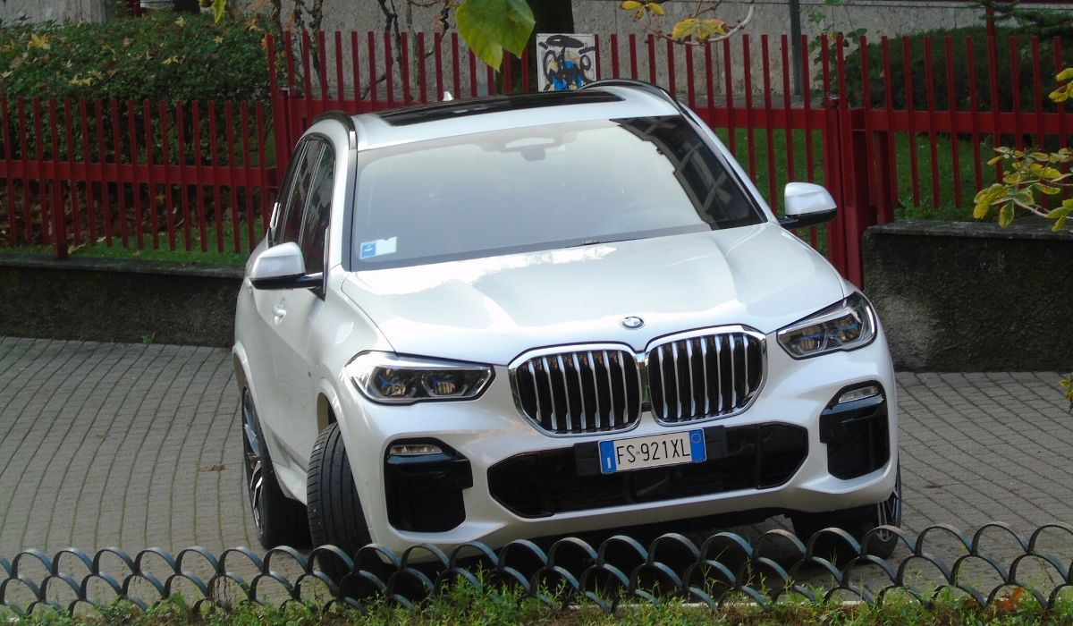 Nuova BMW X5 2020 noleggio