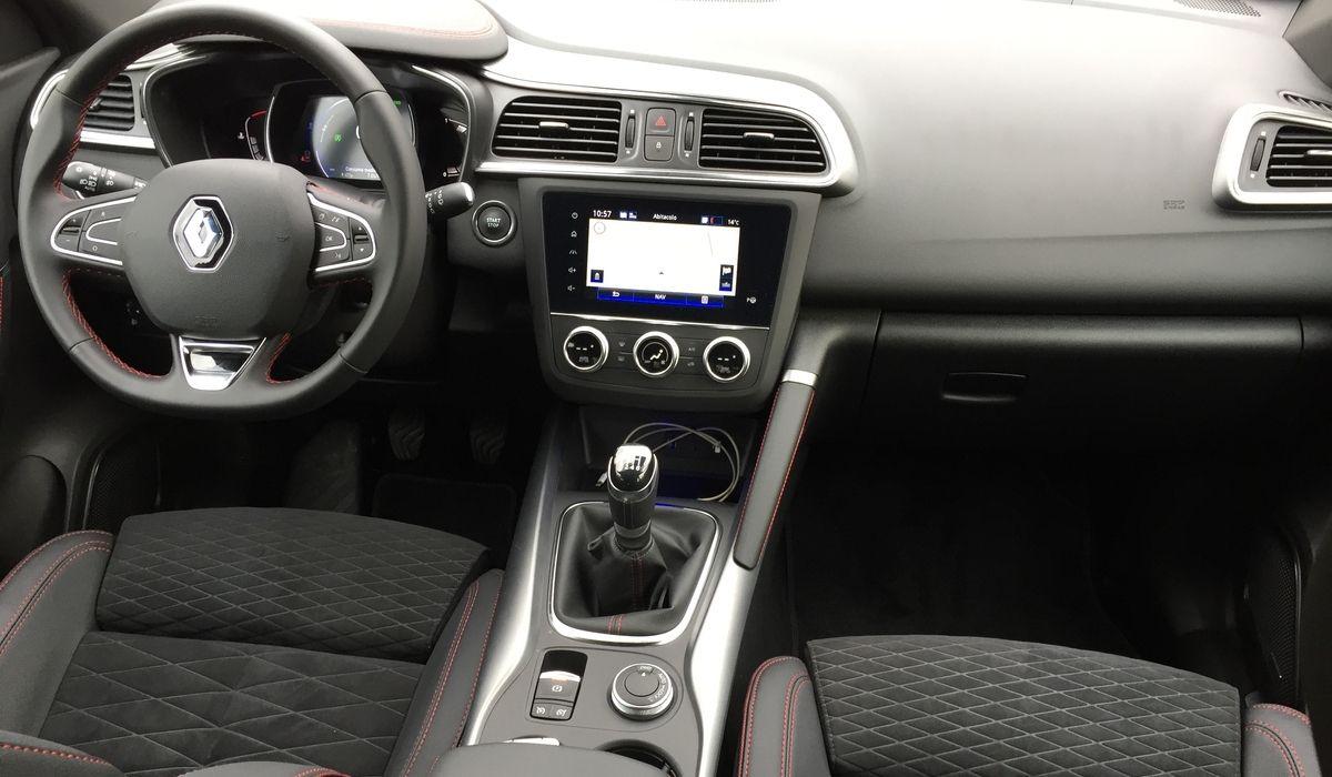Nuova Renault Kadjar 2020 Black Edition abitacolo
