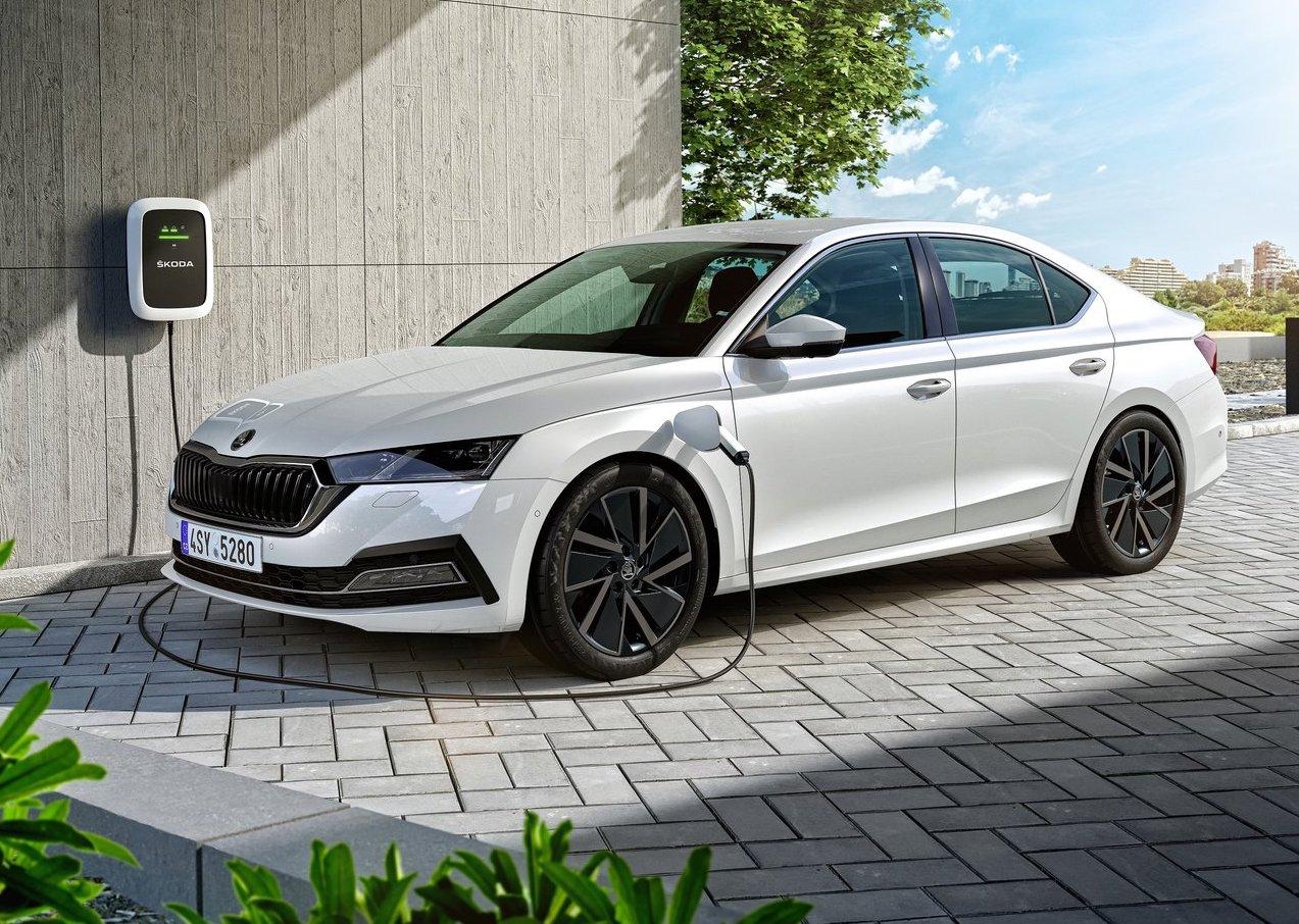 Nuova Skoda Octavia 2020 ibrida plug-in