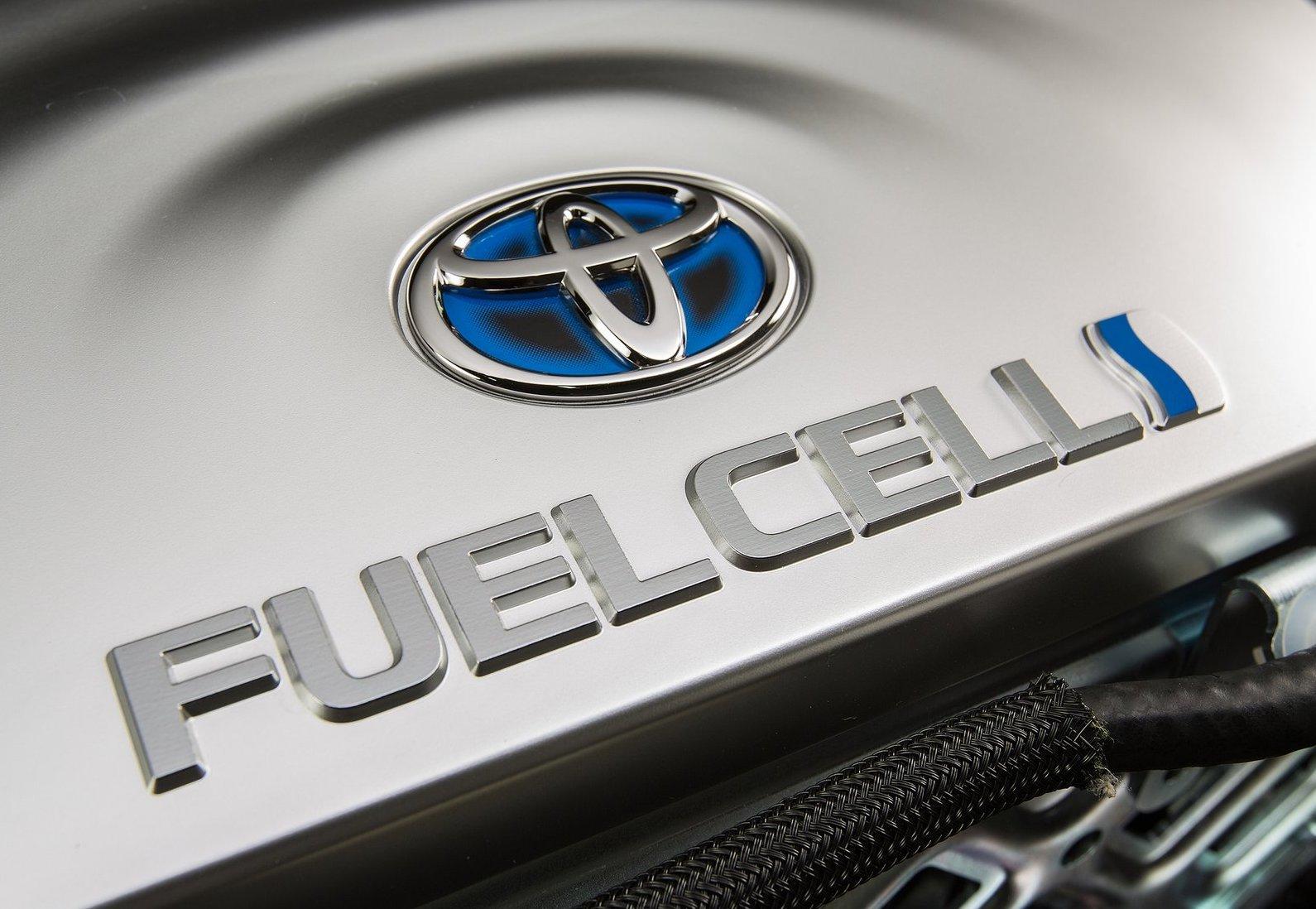 Idrogeno fuel cell Toyota-2