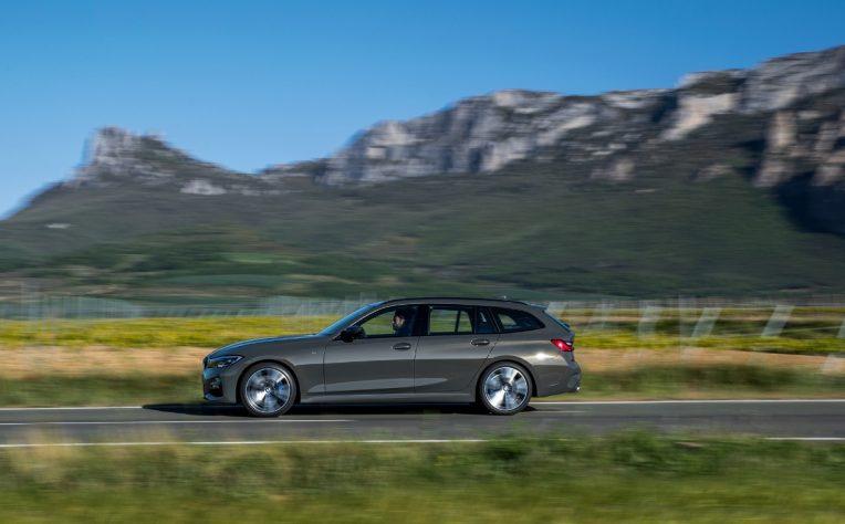 Nuova BMW Serie 3 Touring 2020 su strada