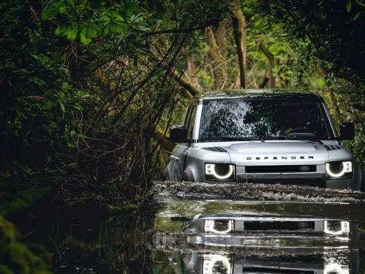 Nuova Land Rover Defender off-road
