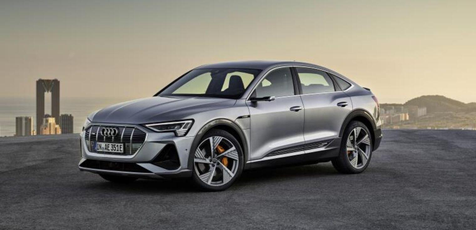 Nuova Audi e-tron Sportback 2020 grigia