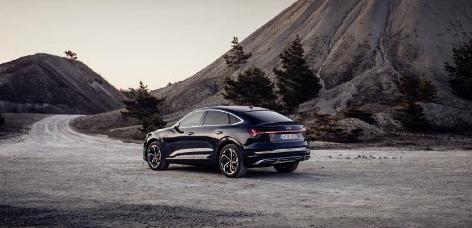 Nuova Audi e-tron Sportback 2020 su strada