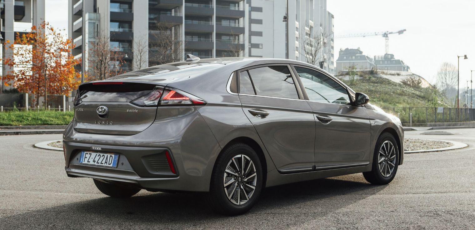 Nuova Hyundai Ioniq Electric 2020 posteriore
