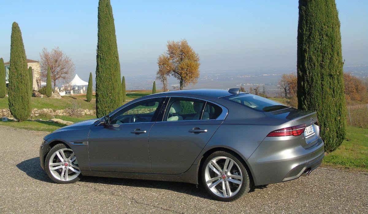 Nuova Jaguar XE 2020 berlina