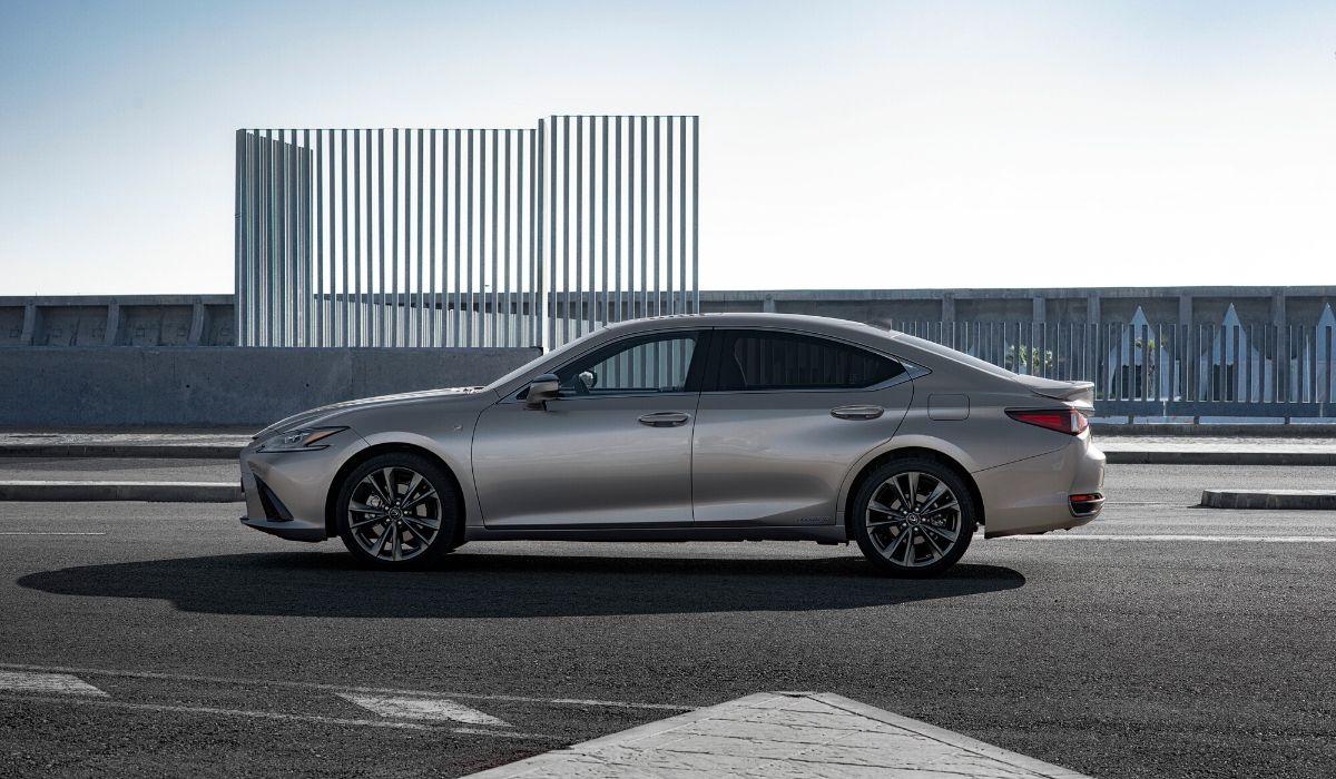 Nuova Lexus ES 2020 statica