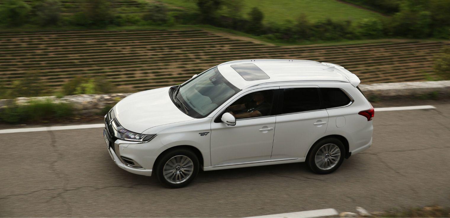 Nuovo Mitsubishi Outlander PHEV 2020 bianco