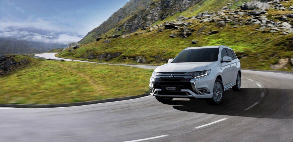 Nuovo Mitsubishi Outlander PHEV 2020 su strada