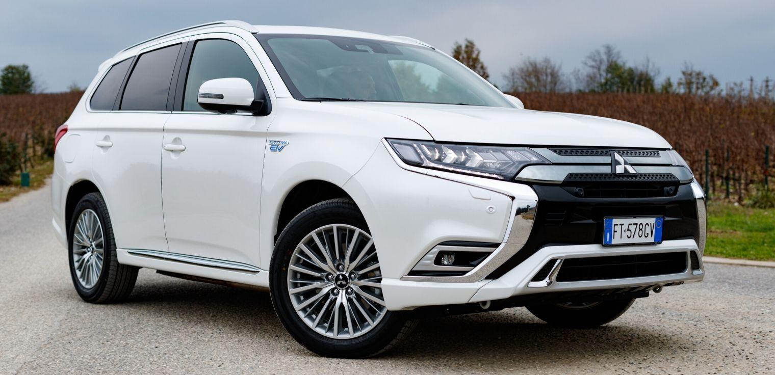 Nuovo Mitsubishi Outlander PHEV Suv