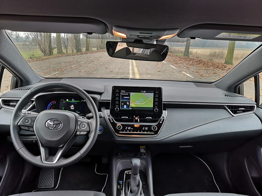 Toyota-Corolla-plancia