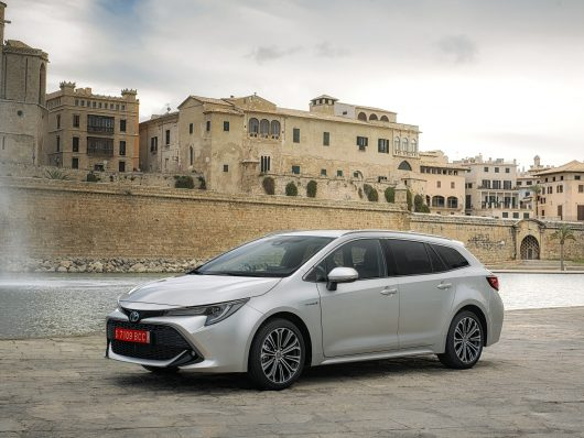 nuova Toyota Corolla Touring Sports station wagon