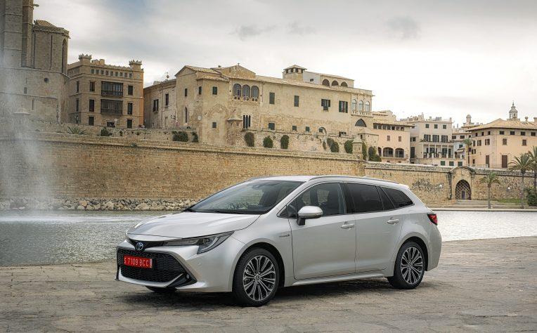 nuova Toyota Corolla Touring Sports station wagon