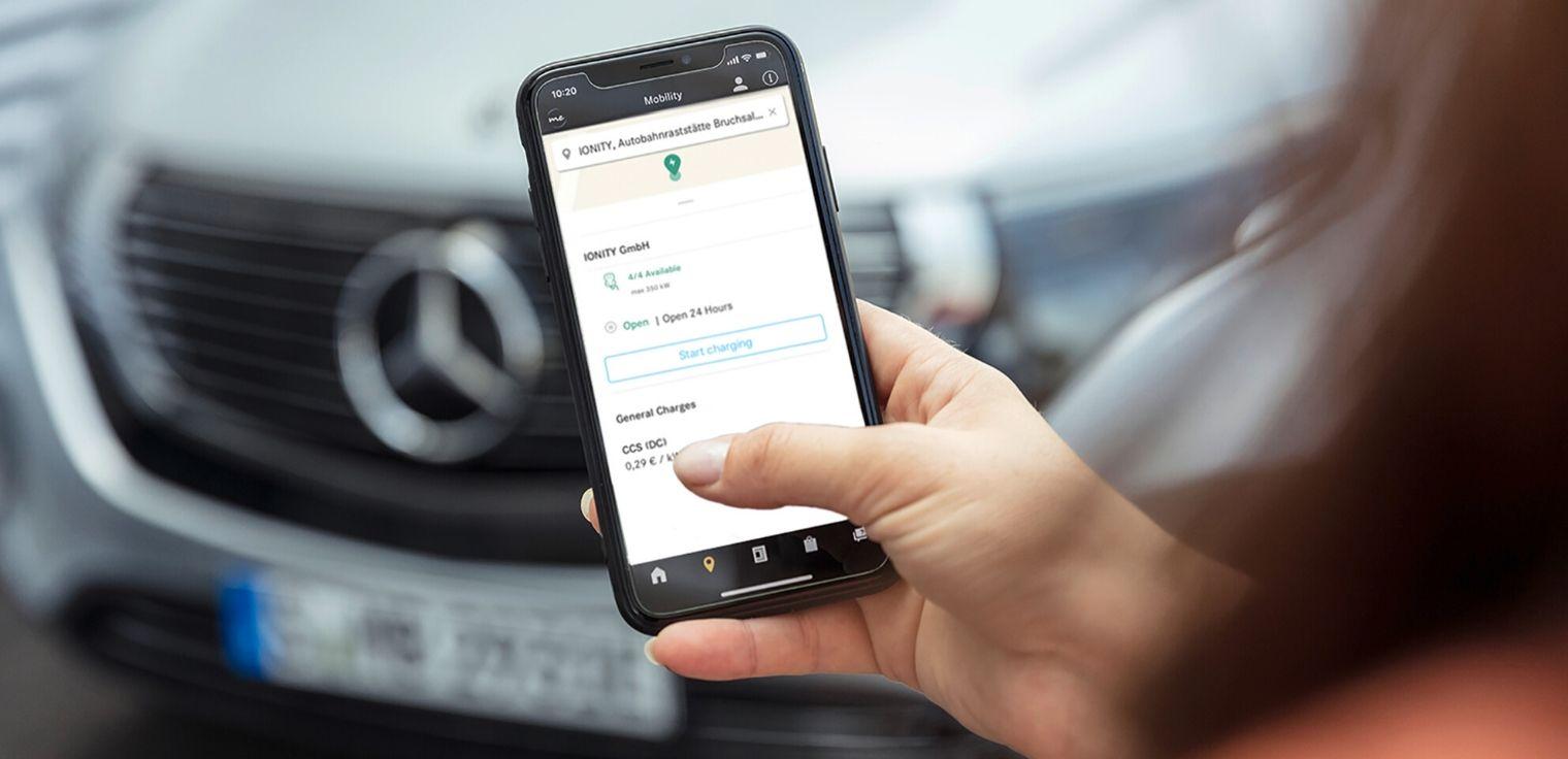 Mercedes me Charge app pagamento ricarica auto elettrica e ibrida plug-in
