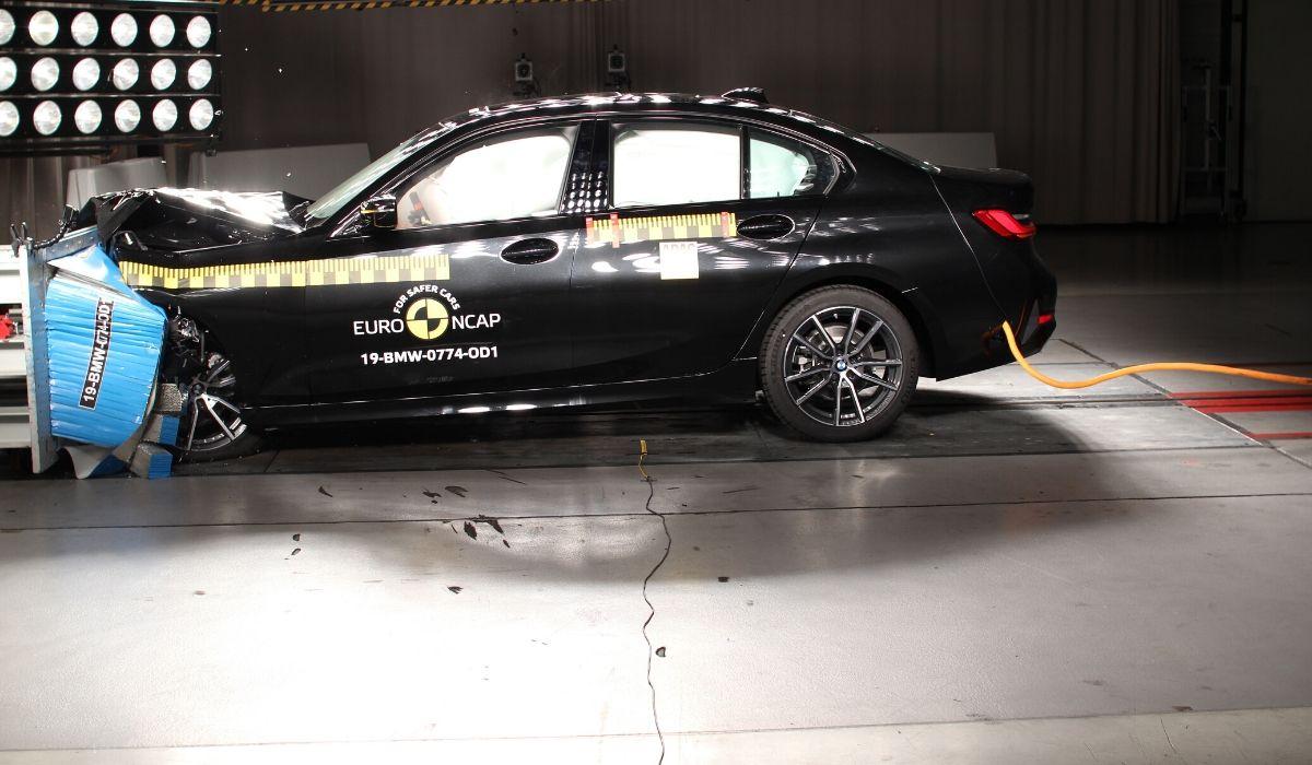 Nuova BMW Serie 3 test Euro NCAP