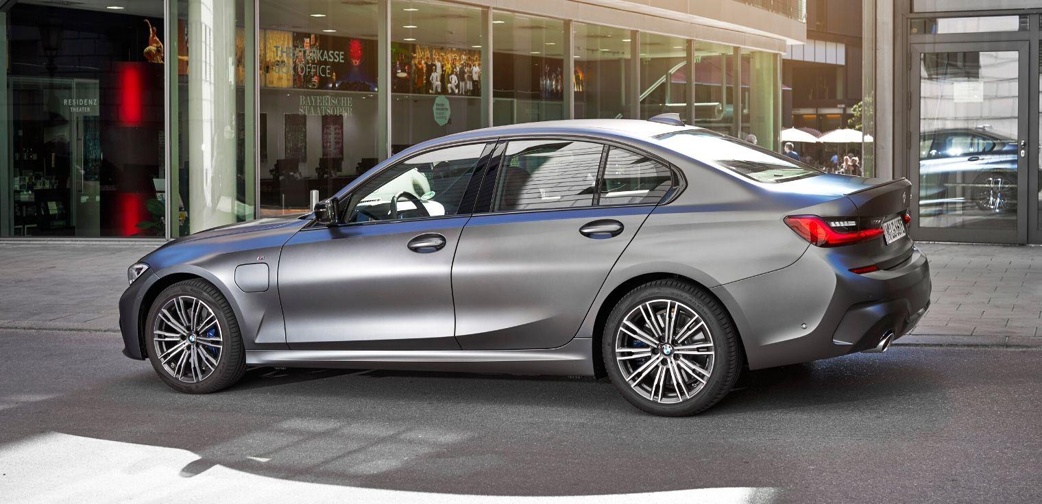 Nuova BMW Serie 3 ibrida plug-in leasing why buy flash