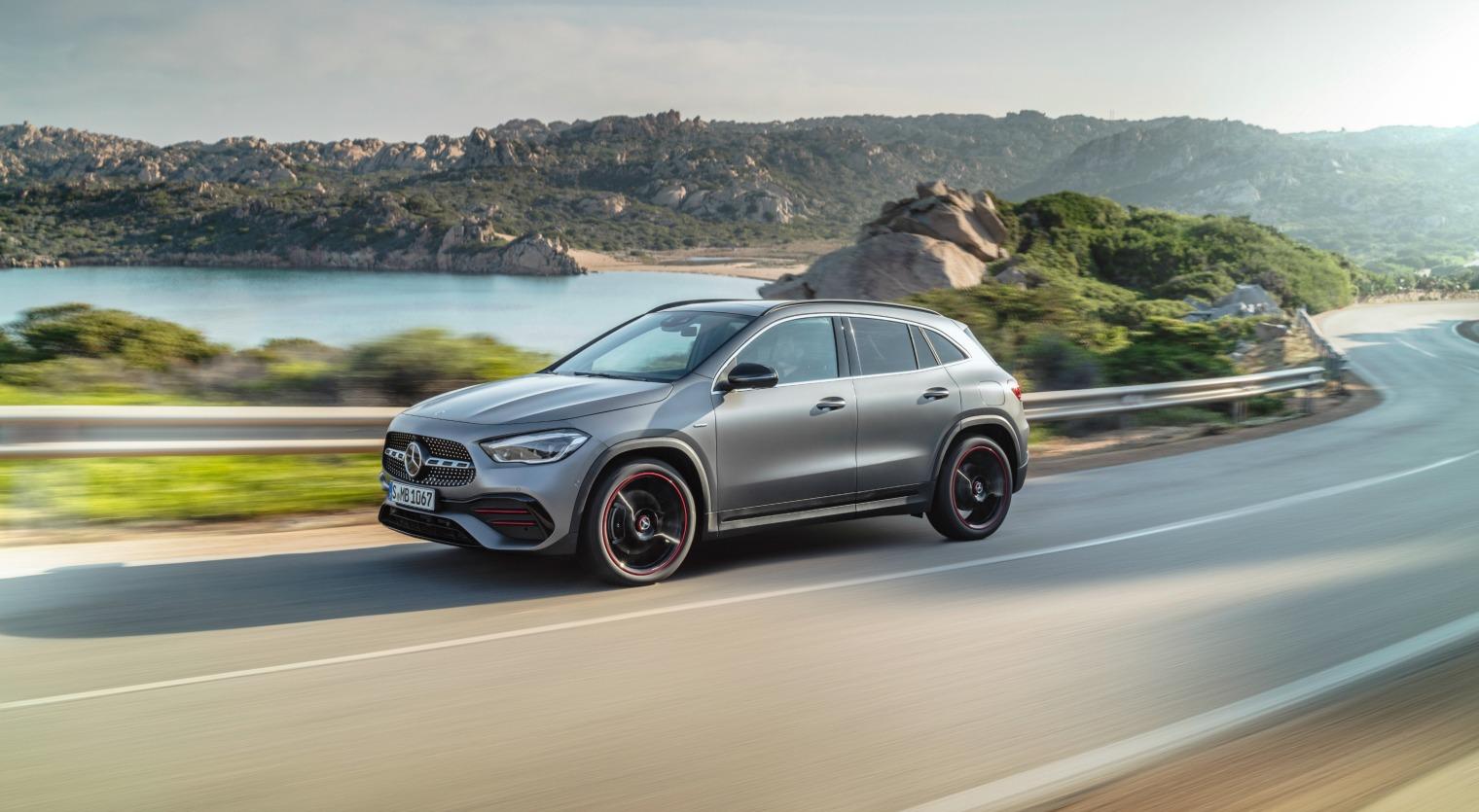 Nuova Mercedes GLA 2020