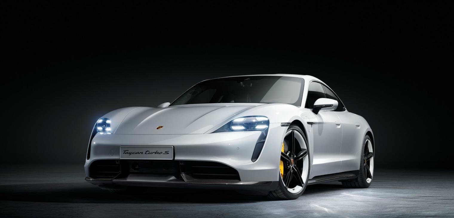 Nuova Porsche Taycan lancio italiano