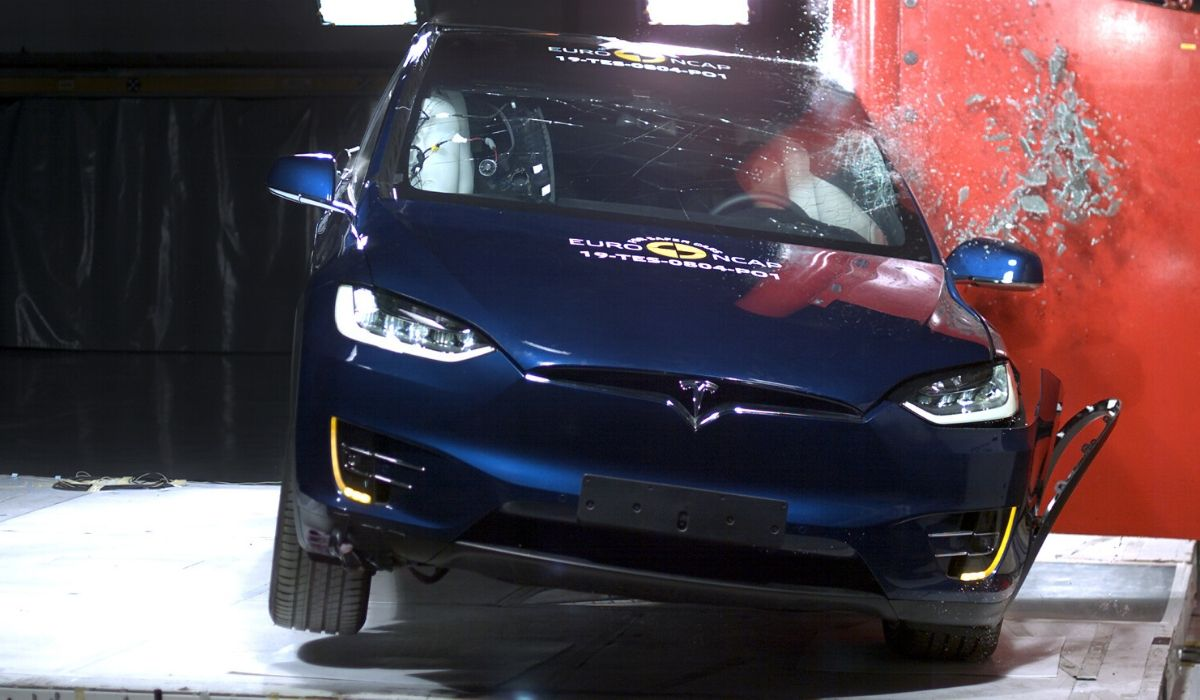 Tesla Model X test Euro NCAP