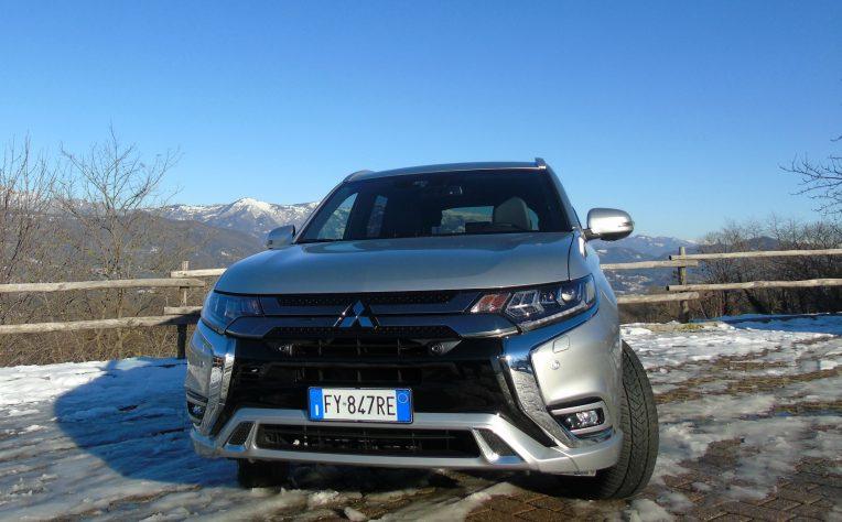 nuovo Mitsubishi Outlander Phev frontale