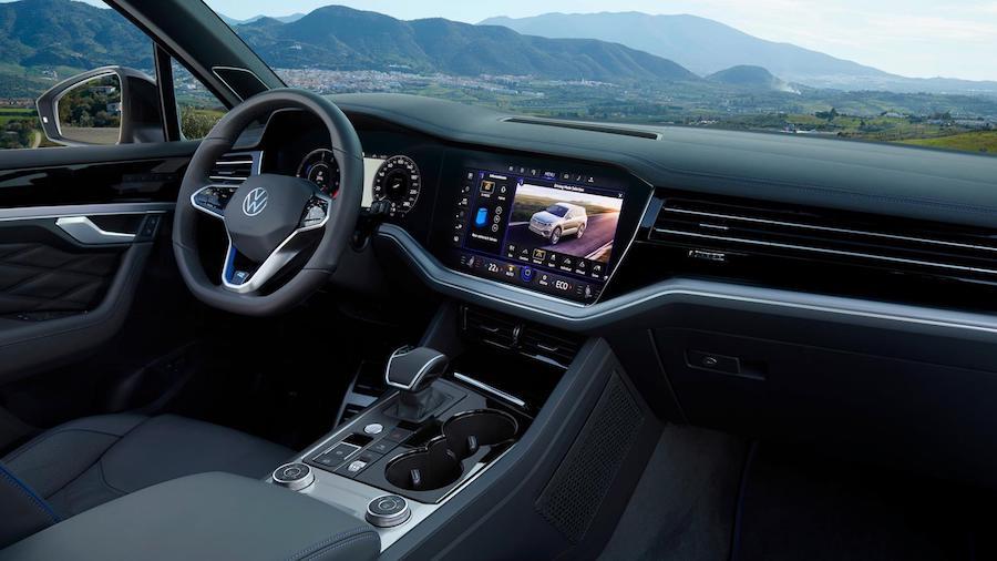 Interni di Volkswagen Touareg R ibrida