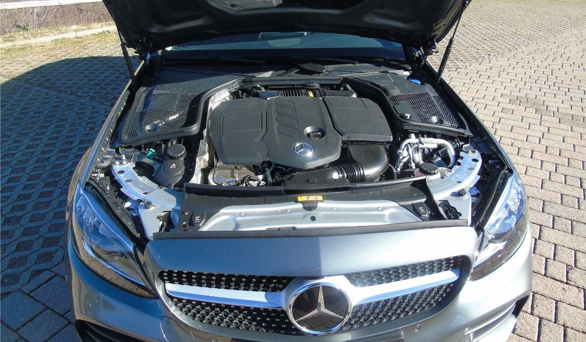 Mercedes Classe C 300 de EQ Power diesel ibrida plug-in motore