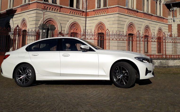 Nuova BMW Serie 3 ibrida plug-in 2020 test drive