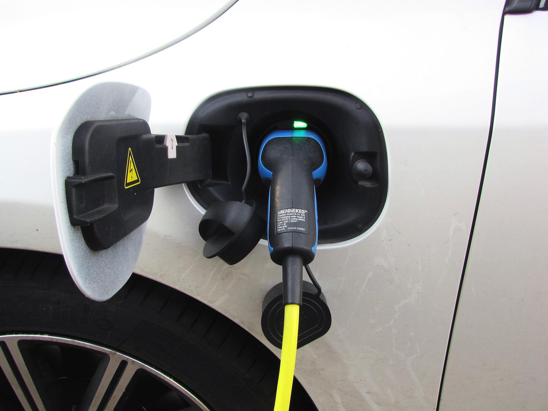 auto ibrida usata plug-in