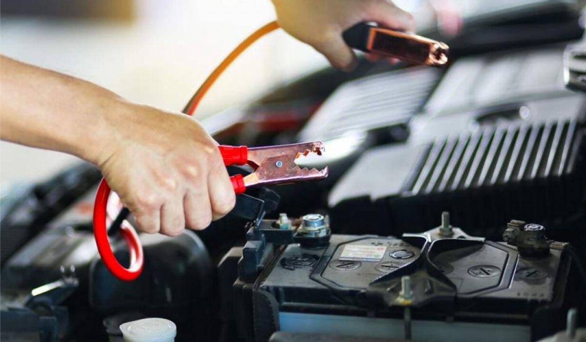 Come mantenere carica batteria auto