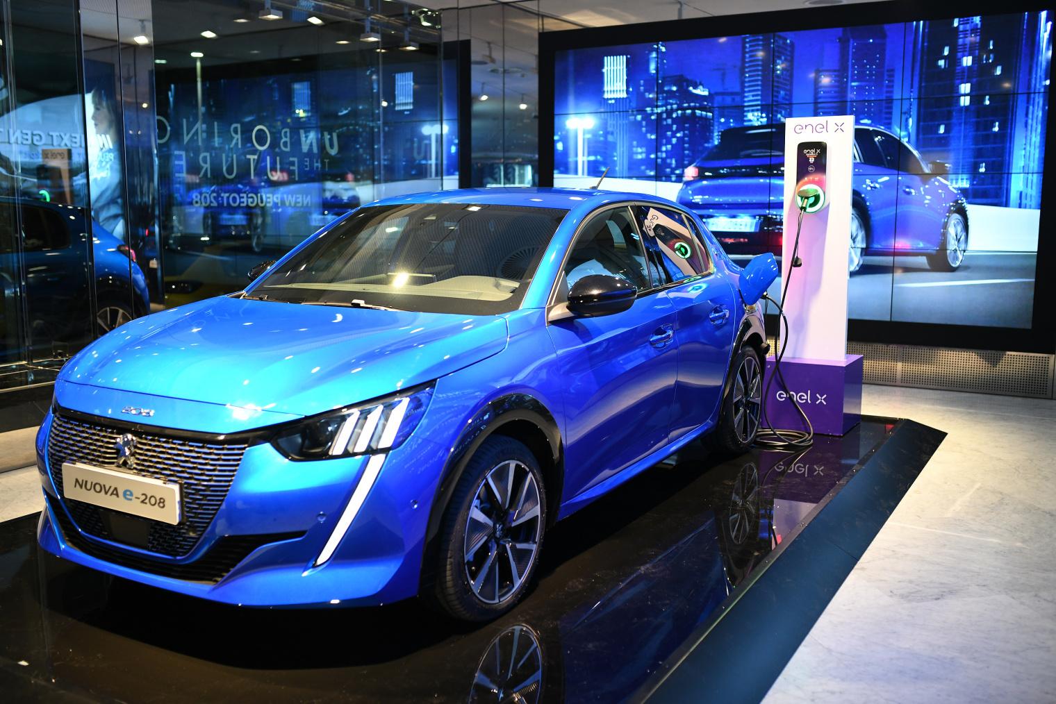 Groupe PSA Enel X ricarica auto elettriche