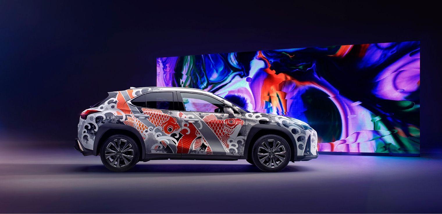 Lexus UX tatuata crossover