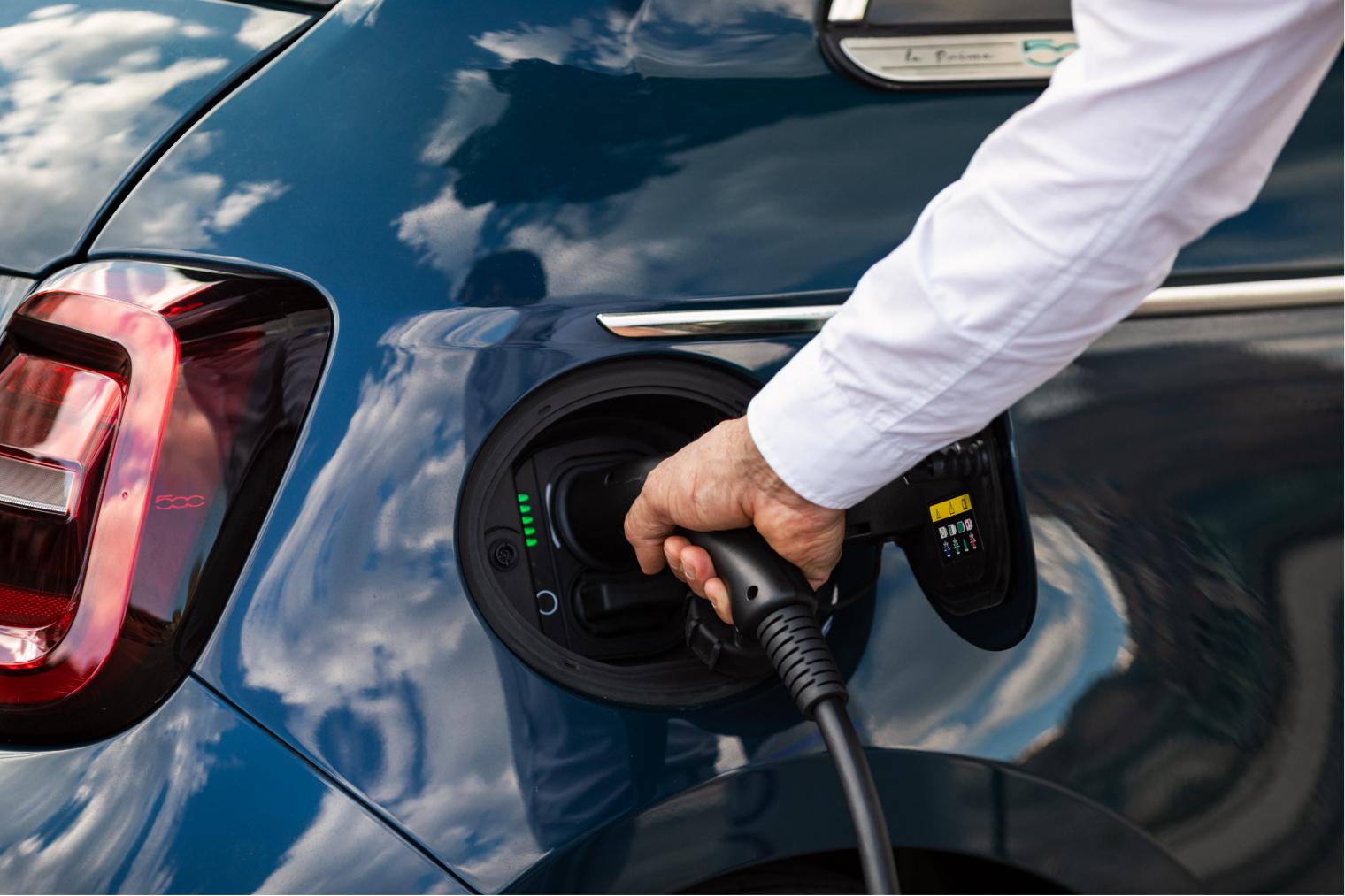 Presa di ricarica nuova Fiat 500 elettrica