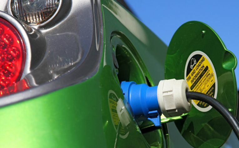 auto elettriche e ibride: i modelli coperti dall'ecobonus