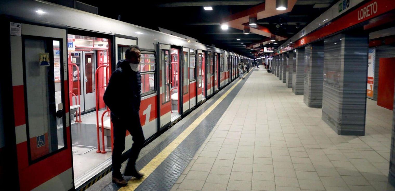 Coronavirus mezzi pubblici Milano Atm metropolitana