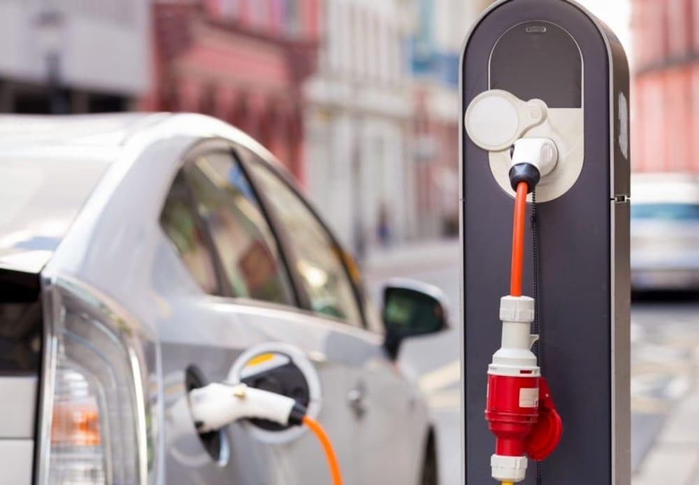 come funziona il noleggio a lungo termine delle auto elettriche?