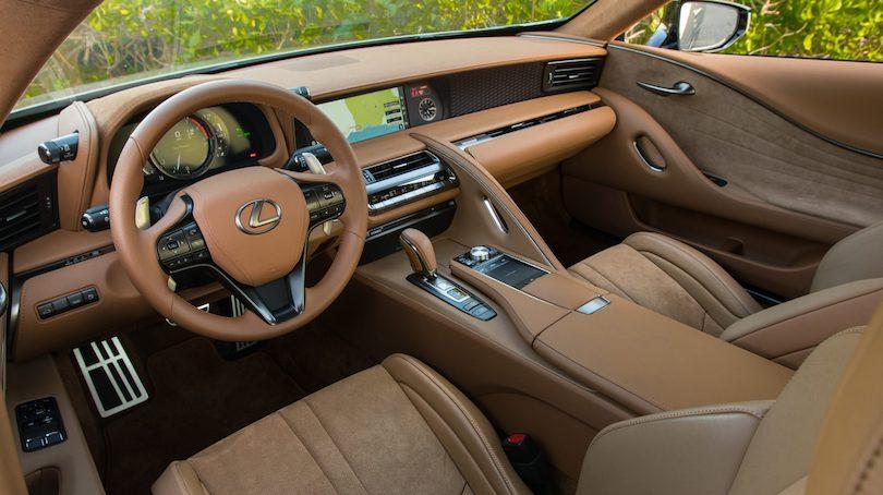Interni di Lexus LC 2021