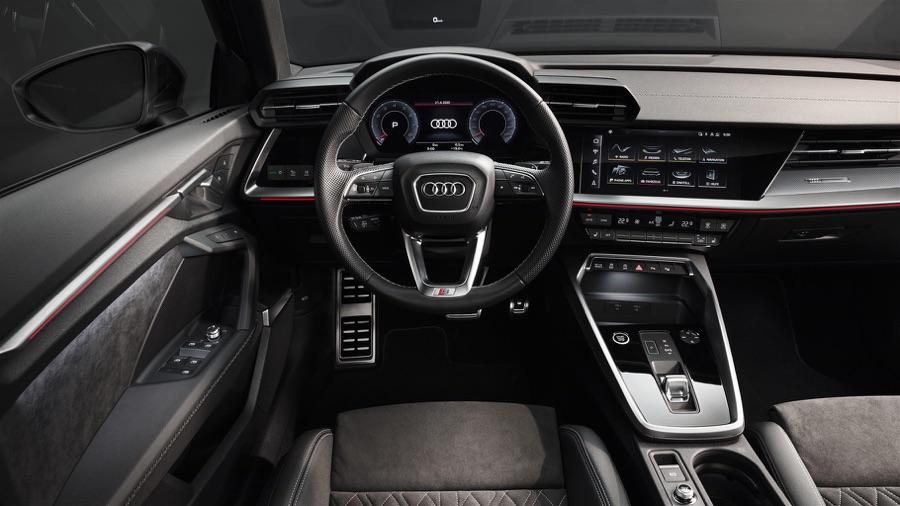 Interni di nuova Audi A3 Sedan