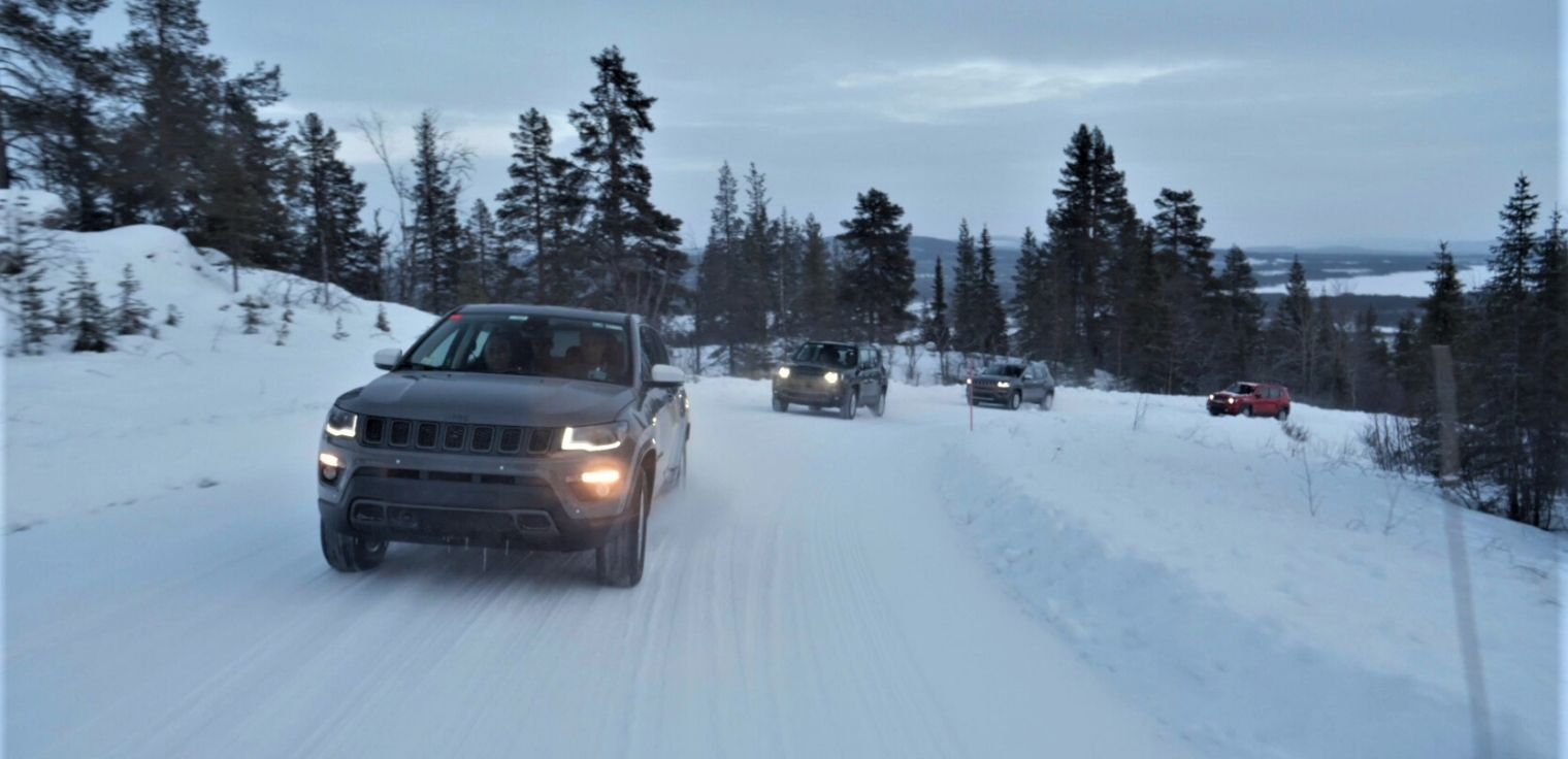 Nuove Jeep Renegade e Compass 4xe 2020 dinamiche