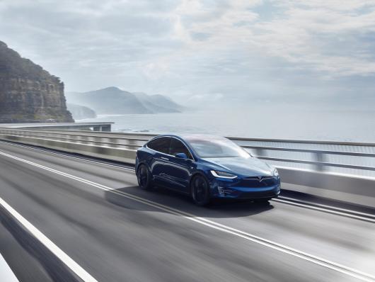 novità Tesla