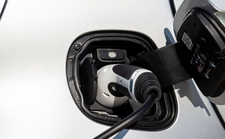 risparmio noleggio auto elettrica