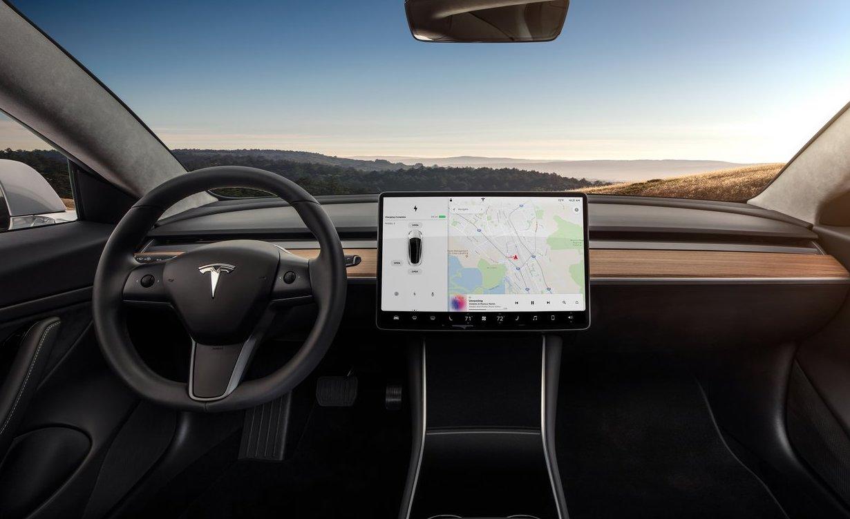 navigatore Autopilot Tesla