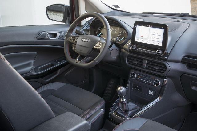 interni auto con materiali riciclati - ford